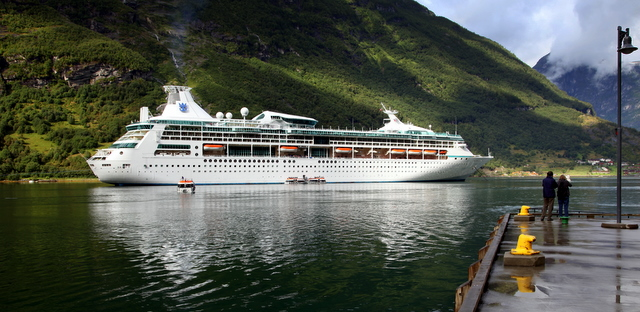 Our ship in Geiranger Fjiord at the norther end of the Utsira formation